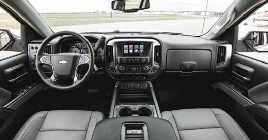 2022 Chevy Avalanche interior